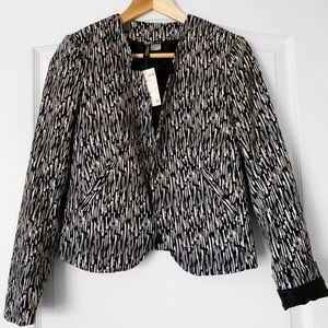 H&M Blazer in black & white color.